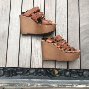 Lucky Brand | Tan Strappy Wedge Heel.